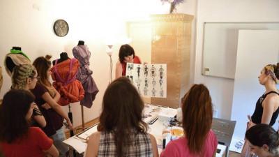 La catedra de ilustratie fashion: Ioana Avram