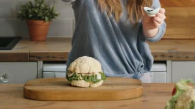 Cum să mănânci burger, fără să mănânci burger