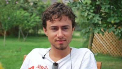 [Scriitorii de TV] Radu Alexandru: Toate etapele în care alți oameni demolează ce ai construit sunt extrem de importante