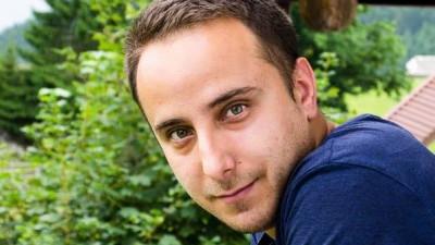 Programatorul care dezvolta un tool de search pentru TV