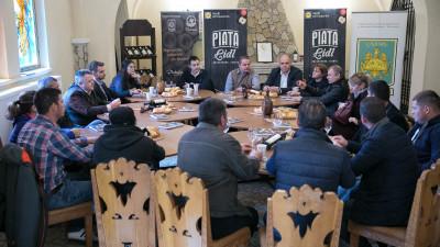 """Lidl România împreună cu Universitatea de Științe Agronomice și Medicină Veterinară București au organizat """"Ziua Cultivatorului de Roșii"""" - o nouă inițiativă de susținere a producătorilor locali"""