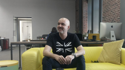[Ce se-ntampla, Artule?] Luca Bulacu (WOPA): Am inteles ca exista aplicatii care iti genereaza logo-uri. Eu zic ca e momentul ca toata lumea sa se faca Art Director