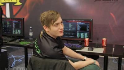 """[Stream cu gameri] Alex Craciunescu aka ComeWithMe in DOTA: Nu cred ca exista o """"medie de viata"""" a gamerului profesionist"""