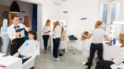 Testare de produs neconvențională: 3 zile de răsfăț la Pop-Up Hair Salon by NIVEA & FCB Bucharest