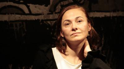 [Pauza de poezie] Doina Ioanid: Să scoatem poezia de pe raft, s-o aducem în cetate, chiar în calea oamenilor