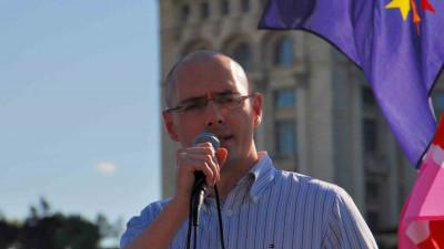 Florin Buhuceanu: Nu îmi era rușine cu mine, îmi era însă rușine de țara care mă trata ca pe un gunoi imoral şi care mă destina pușcăriei pentru orientarea-mi homosexuală