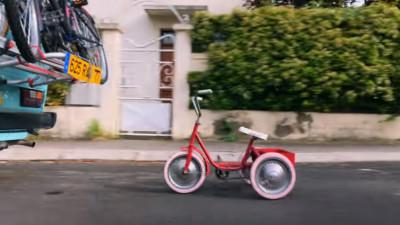 Vara pe o tricicleta
