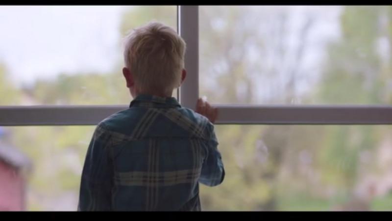 Povestea unui băiețel și a unei cutii goale