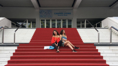 [La cald, de la Cannes] Simina Zidaru si Alina Nechita (MullenLowe): Concluzia de pana acum este ca e cel mai bun moment sa fii femeie in publicitate