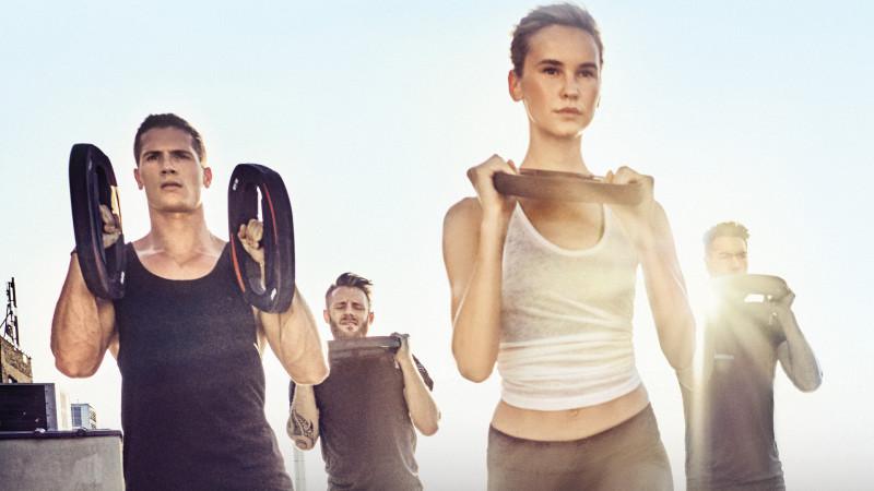 12 ore de mișcare, peste 50 de instructori și multă distracție în aer liber, la cea de-a cincea ediție a World Class Fitness Festival, din București