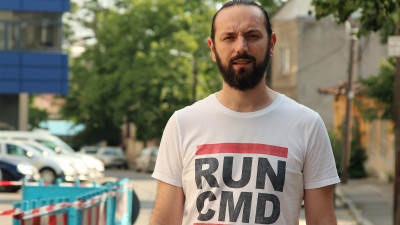 [Complexele publicitarilor] Alex Petrescu: Industria are Complexul Demostene; o serie interminabilă de cuvinte prețioase care ajung în ppt-uri