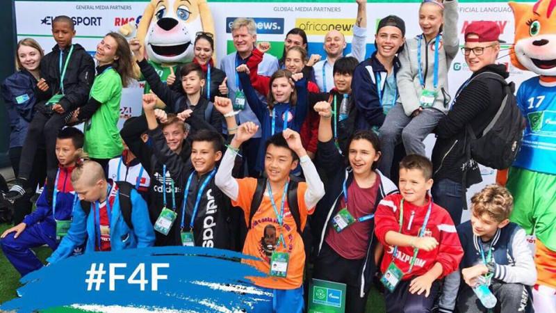 Copii din 64 de țări au participat la proiectul FOTBAL PENTRU PRIETENIE