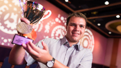[Tineri campioni] Tibi Danciu are 18 ani, o medalie de aur de la Microsoft si planuri sa studieze inteligenta artificiala