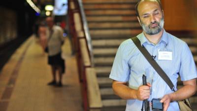 """Cum arata metroul nevazatorilor. Florin Georgescu (Asociatia Tandem): """"Inca avem nevoie de voluntari pentru calibrarea in detaliu a retelei de beaconi"""""""