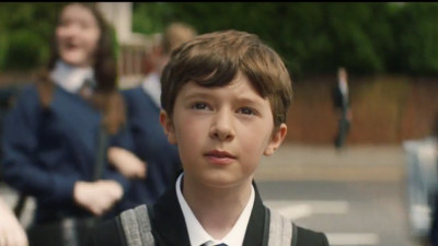 Unii copii isi pierd pantofii pe la scoala, Marks & Spencer stie