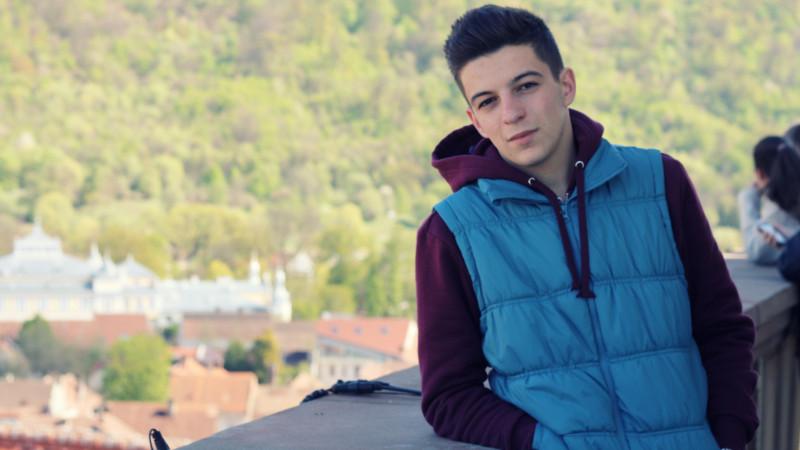 """[Tineri campioni] """"Liceenii Rock'n'Write"""", cu Petruț Dinu"""