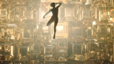 Kristen Stewart dă cu pumnul în diamante