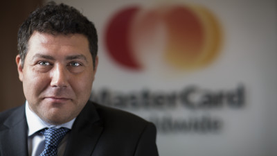 Mastercard semnează un parteneriat cu Fratelli și încurajează plata cu cardul în locațiile grupului