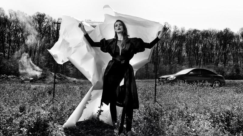 Parteneri pe un altfel de catwalk: Mercedes-Benz și designerul Andreea Bădală