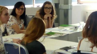 """""""În comunicare succesul vine din creativitate și perseverență"""", declară Kelly Freeman, trainer internațional ISOC"""