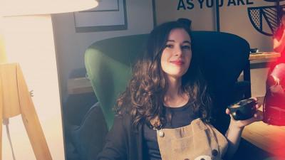 [Milka de Craciun] Rinalda Faraian: Am creat o hartie de impachetat pe care as vrea sa o primesc eu insami