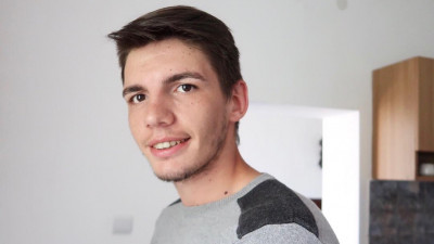 "[Twitter. Ultimii mohicani] Vlad Vaida: ""Aveam 11-12 ani si mi-am facut cont pentru a putea urmari celebritati"""