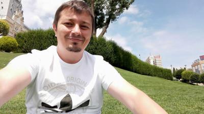 [Twitter. Ultimii mohicani] Bogdan Ciuclaru: Să zicem că Twitterul confirmă - și chiar ajută și el - existența satului global