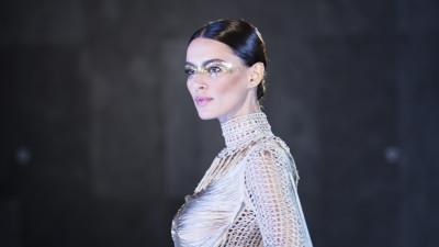 Catrinel Marlon devine imaginea Huawei in Romania