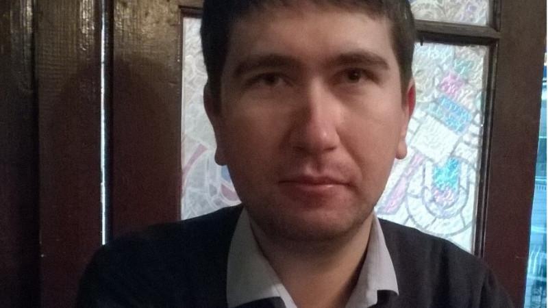 """[Twitter. Ultimii mohicani] Camil Stoenescu: """"Twitter e noul telegraf, tweeturile sunt cablogramele de pe timpuri: scurte, la obiect, rapide, trecatoare"""""""