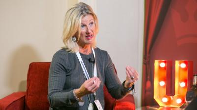 """IAA. Jacelyn Swenson (IBM), despre branded content și millennials: """"Avem nevoie de experiențe, de a-i atrage emoțional, nu trebuie să îi lovim cu publicitatea"""""""