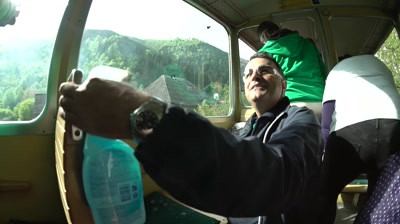 [Shortlist @ Premiile FIBRA] Cif Clean & Travel / CIF / MullenLowe Romania