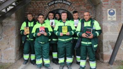 Populatia turca scapa de carti, gunoierii fac biblioteci publice din ele