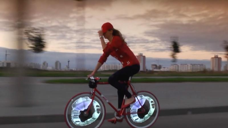 Publicitatea outdoor, la alt nivel: Perceptum aduce în România bicicleta cu display video