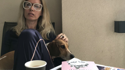 """[Bibliografii personale] Noemi Meilman: """"Social media si newsletterele au pus stapanire pe mine. Incerc sa citesc macar 10 pagini/zi, inainte de culcare"""""""