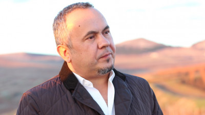 [Domeniile vinului] Virgil Mandru (Tohani Romania): Vinul este un produs pretentios cand vine vorba de comunicare. Tocmai pentru ca el se comunica prin experienta, nu ca produs