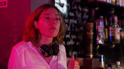 """Mihaela Popescu, regizoarea """"In pronuntare"""": In 2013 am inceput sa ma documentez, sa urmaresc din ce in ce mai multe cazuri cu femei si sa incep sa ma gandesc la acest film"""