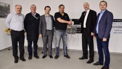 """Mercedes-Benz România lansează programul """"Centru de Excelență în Tinichigerie & Vopsitorie"""""""