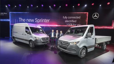 Caracteristici consacrate, o nouă etapă în ceea ce privește conectivitatea și varietatea: Mercedes-Benz prezintă a treia generație Sprinter