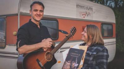 [Povesti de crowdfunding] Studioul Calator a strans banii, iar acum face muzica pentru copii