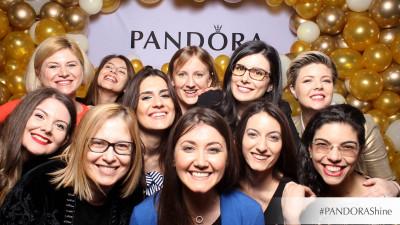 Colecția PANDORA Shine s-a lansat printr-o petrecere memorabilă