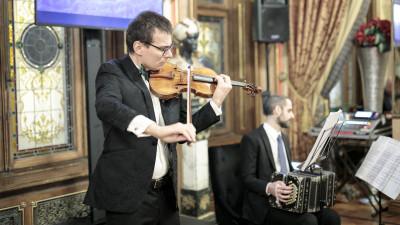 """""""Sunetul AVINCIS"""" pe notele muzicale ale lui Alexandru Tomescu"""