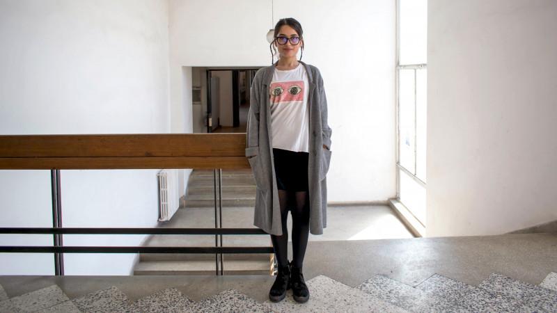 """[Tricou de designer] Adriana Strîmbu ne indeamna sa """"Think Big"""" si sa ramanem copii"""