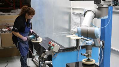 ES Elektro intră în parteneriat cu Universal Robots pentru distribuția roboților colaborativi
