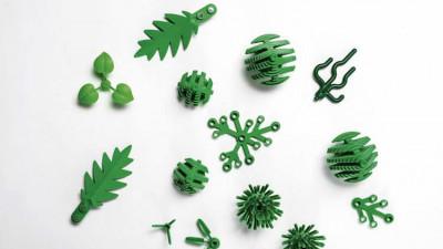 Piesele de LEGO vor durea la fel cand calcati pe ele, dar macar nu vor mai fi din plastic