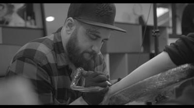 Lowe Group - 25 Years Young, editia cu tatuaje