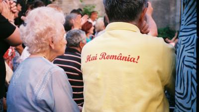 """[De ce sa ramai in Romania] Vlad Lazar: """"Cand incepi sa te prinzi ca n-ai cum sa te ascunzi de tine dupa o granita, nu mai conteaza foarte tare in ce tara traiesti"""""""
