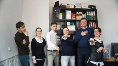 [Cum promovezi binele] Camelia Crișan (Fundația Progress): Ai noștri frați români donează în continuare cei mai mulți bani la biserici. Pare că grija față de viața de apoi e mai mare decât cea față de viața reală