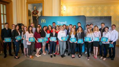 34 de studenți angajați la McDonald's au fost premiați la cea de a 12-a ediție a Burselor McDonald's