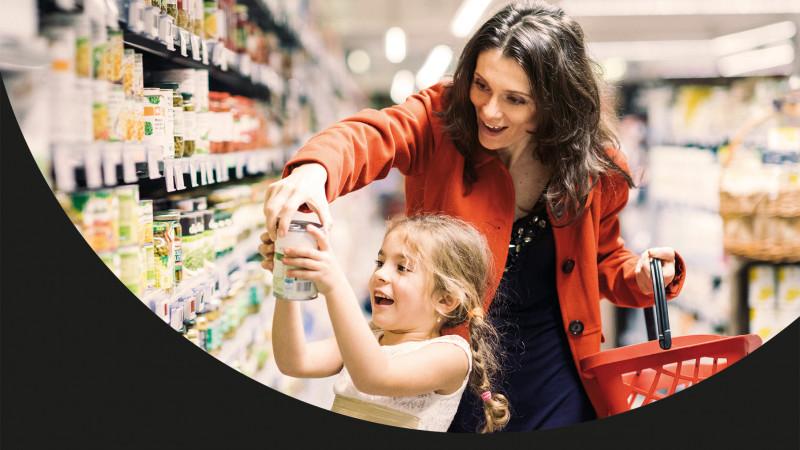 Mastercard premiază plățile cu cardul în magazinele Mega Image din toată țara. Marele premiu: un BMW i3