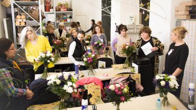 """Ani Chira, trainer de design floral: """"Pasiunea pentru flori poate deveni un job care îți oferă bucuria de a face în fiecare zi ceea ce iubești"""""""